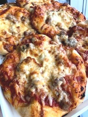 sausagecheesepizza